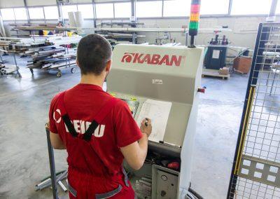 Работник при машина KABAN